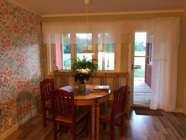 Ny, fin lägenh, lantlig idyll nära Karlstad, 54 m2