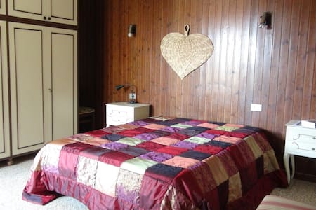 Tuscany Cottage Low-Cost - Massarosa - Bed & Breakfast