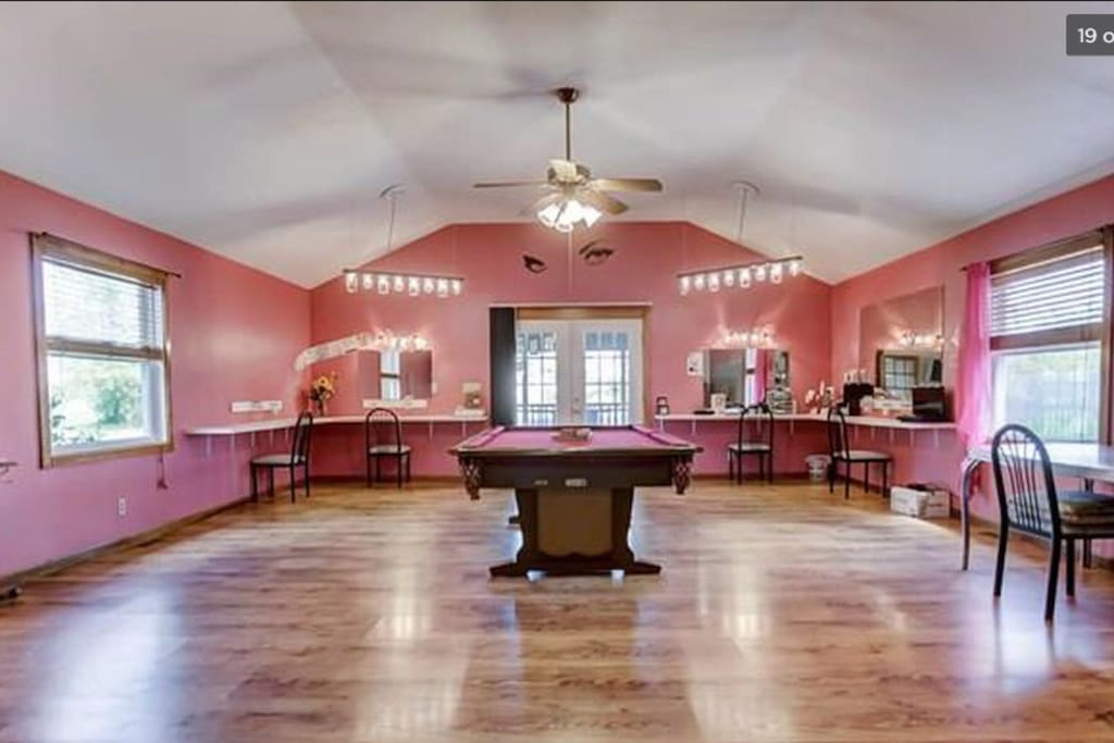 Large great room, perfect for entertaining