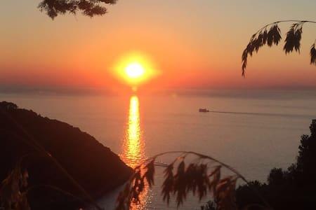VILLA VELTA SEA SUNSET - DOUBLE - Porto Santo Stefano - Wohnung