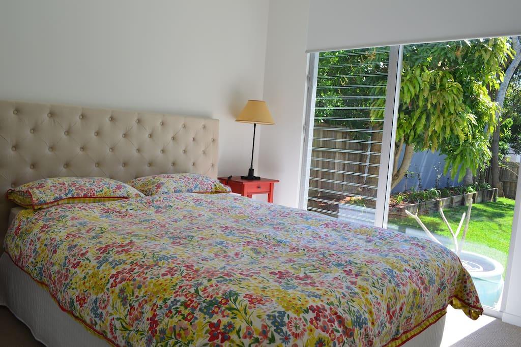 Bedroom 2. Queen size