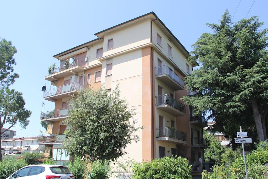 Il condominio e l'appartamento al 4° piano