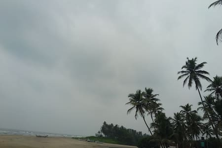 Laxmi Holiday homes 2 bedroom near Ashwem beach