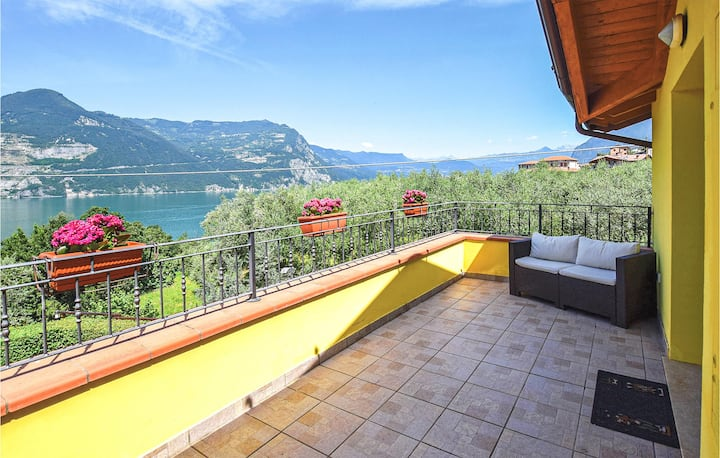 Terraced house with 3 bedrooms on 120m² in Siviano Monteisola BS