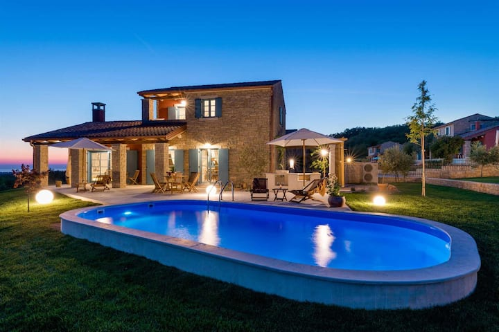 Villa Sophie with Pool