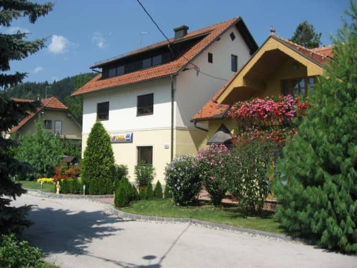 Studio apartment surrounded by nature in Zreče