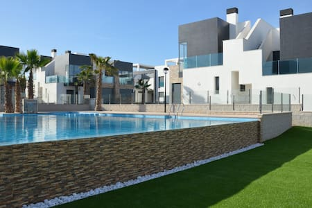 Oasis Hill Penthouse, close by Golf courses - Orihuela