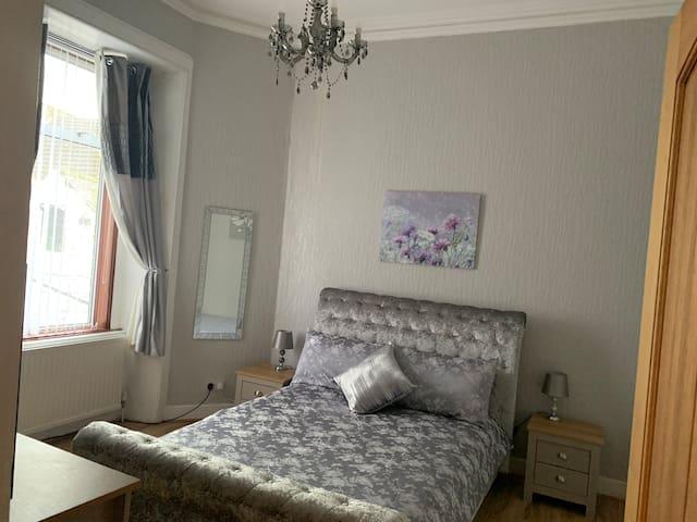 Double Bedroom middle floor