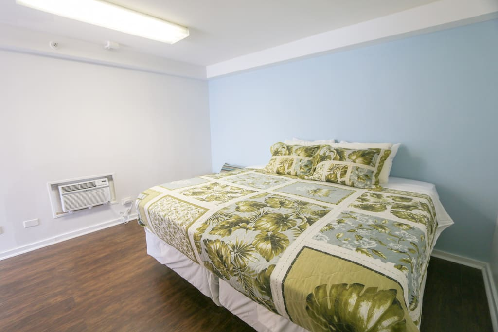 King Size Bed that can be split into 2 TWIN beds upon request.