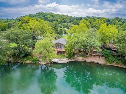 Riverside Retreat Cabin