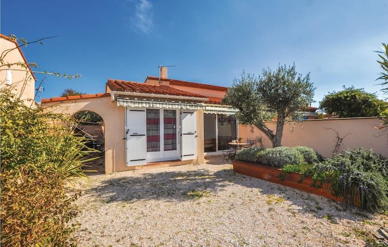 Holiday cottage with 3 bedrooms on 75m² in saint Cyprien Plage