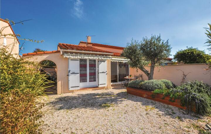 Awesome home in saint Cyprien Plage with WiFi and 3 Bedrooms