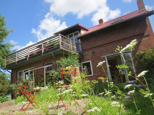 "Charmante ""Kleine Villa"" in Bokels Dorfmitte"