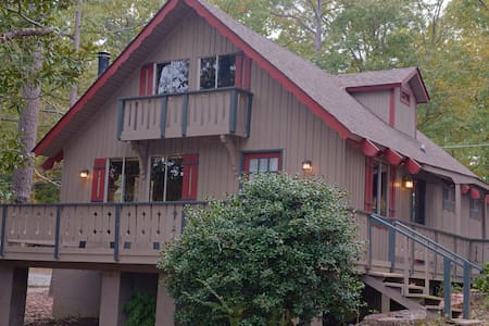 Pine Mountain Club Chalets - Three Bedroom Lakefront #6 - Pet Friendly