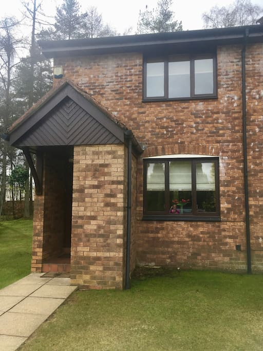 Front of house, 2 bedroom,1 shower room ,end terrace.