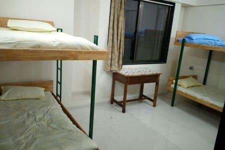 Private room centrally located near Deccan