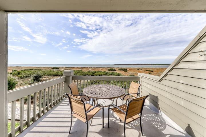Beachfront condo w/ deck, views & shared pools, tennis, golf & more!