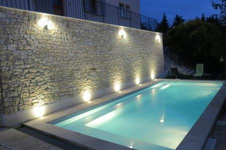 Magnifique bastide provençale 120m2 avec piscine - Le barroux  - Дом