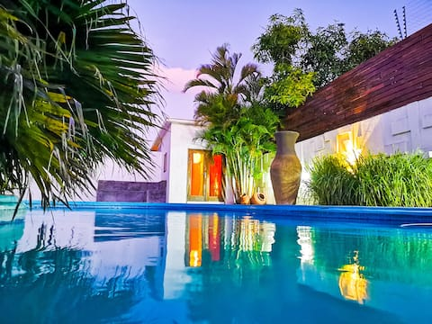 Tropical Suite & Pool