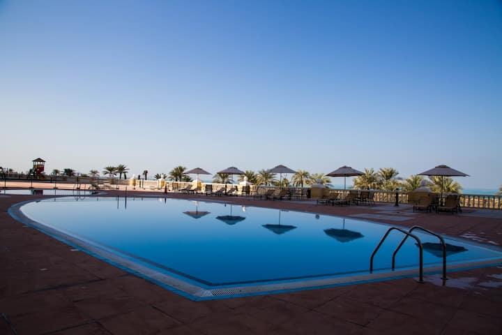 Sea View apartment, Al Hamra, UAE