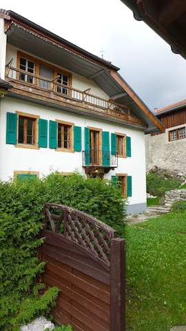 charming Typical  Swiss House - Lessoc - Rumah