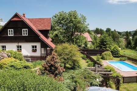 Stylish cottage with pool. Český ráj / Krkonoše - Nová Ves nad Popelkou - House