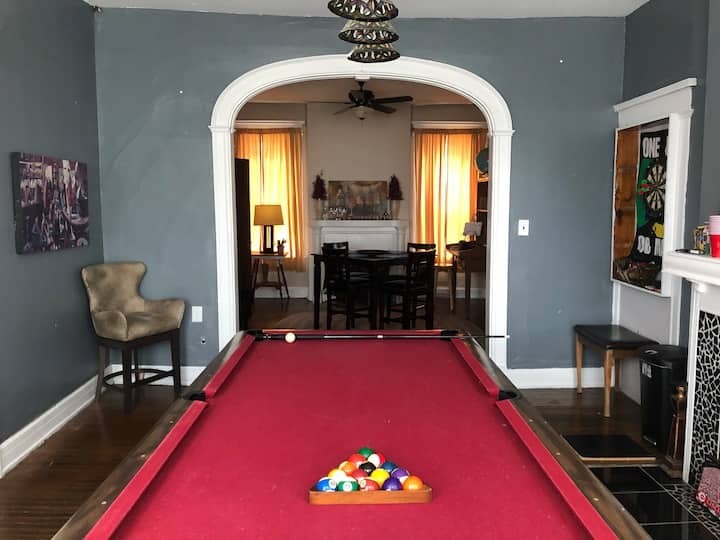 Big house near hospitals,UC,downtown. W/pool table