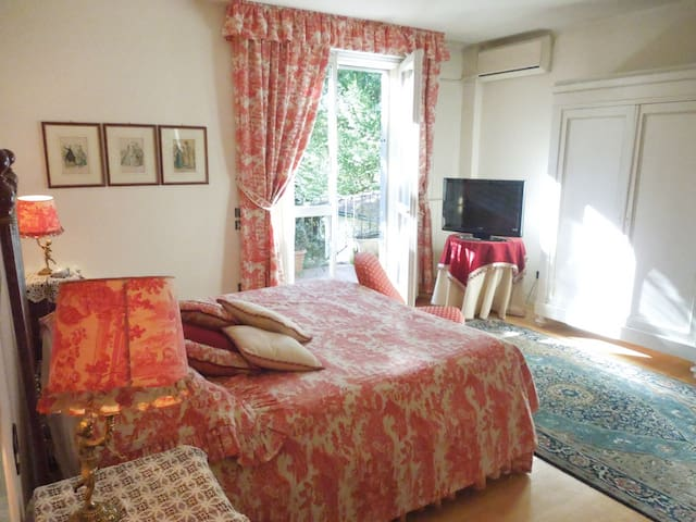 Villa Olivia B&B, Caesar's room