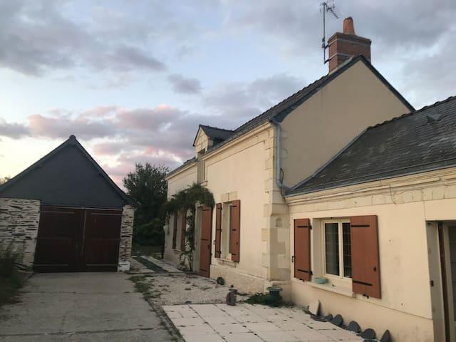 Longère de charme proche château de Brissac