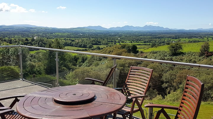 New Bungalow with balcony views of Kerry