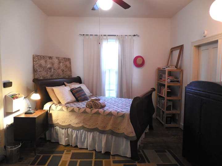 Private Suite In 5 Points Chill Pad Near Downtown