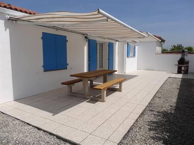 Confortable maison dans quartier calme - L'Aiguillon-sur-Mer - Huis