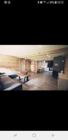 Apartament w domu przy jeziorze Narie w Bogaczewie