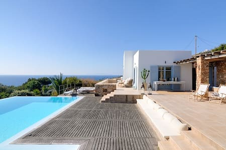 Syros luxury villa Earl with private swimming pool - Parakopi