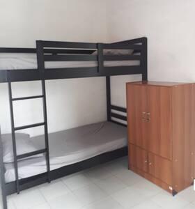 Kamar yang murah, bersih, nyaman di takengon