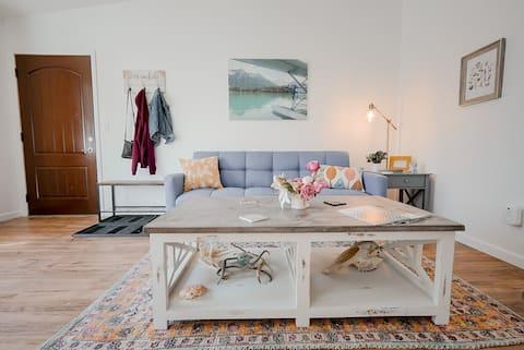 Modern & Cozy Apartment
