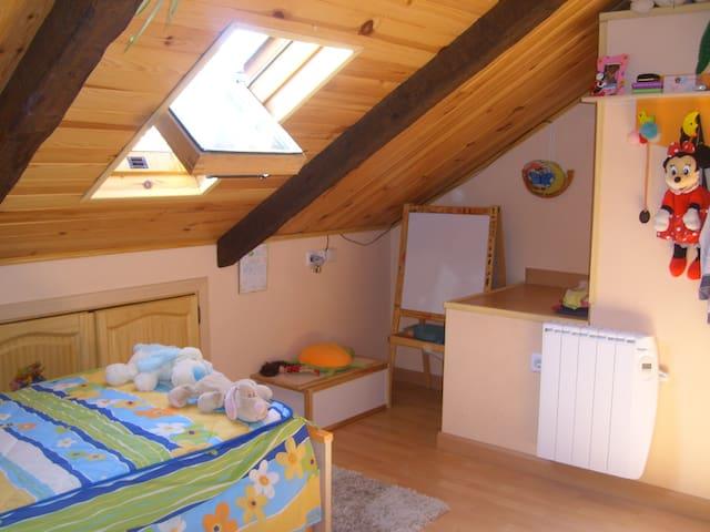 Duplex con 2 habitaciones y 2 baños - Valdemorillo - Daire