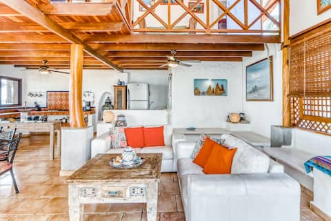 Wonderful beachfront property with privatel pool and AC in Tivives!
