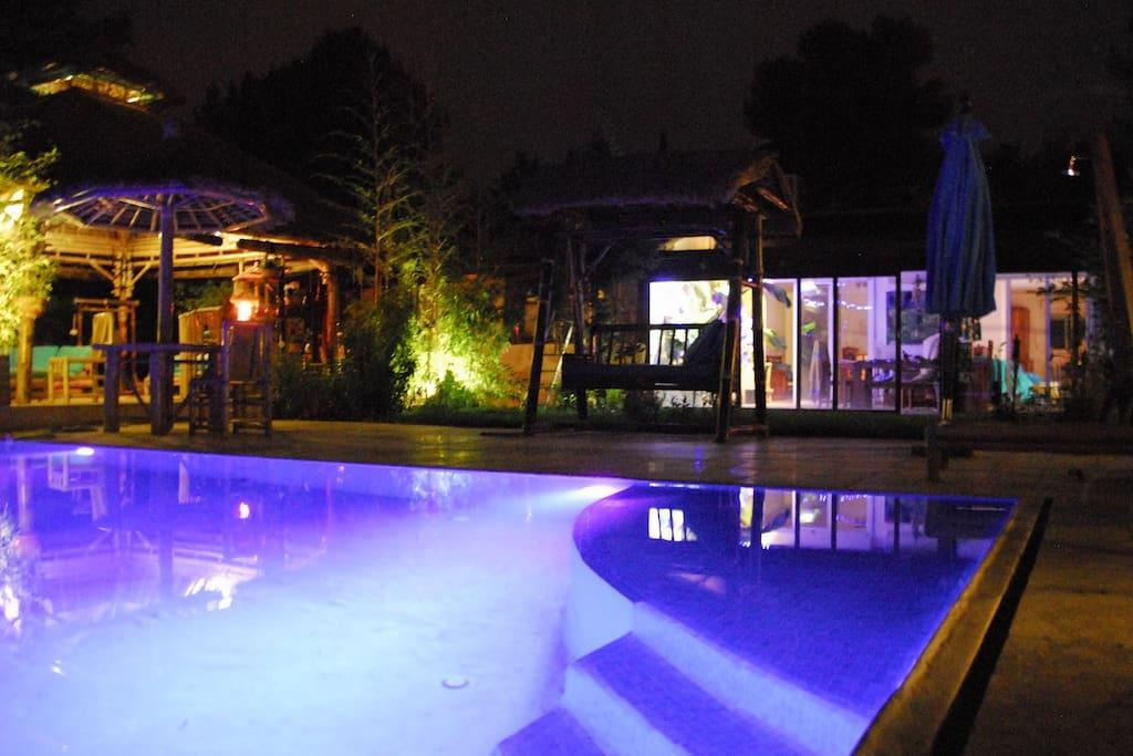 Villa piscine aix en provence golf villas louer for Piscine miroir aix en provence