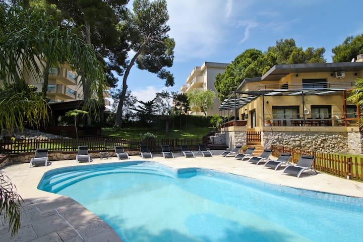 Villa PLANET Planetcostadorada, Private pool