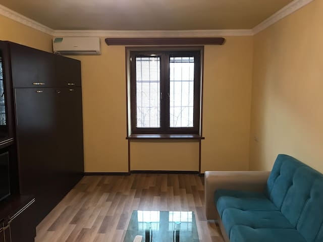 Clear Cozy & Modern Apartment Near Metro Station