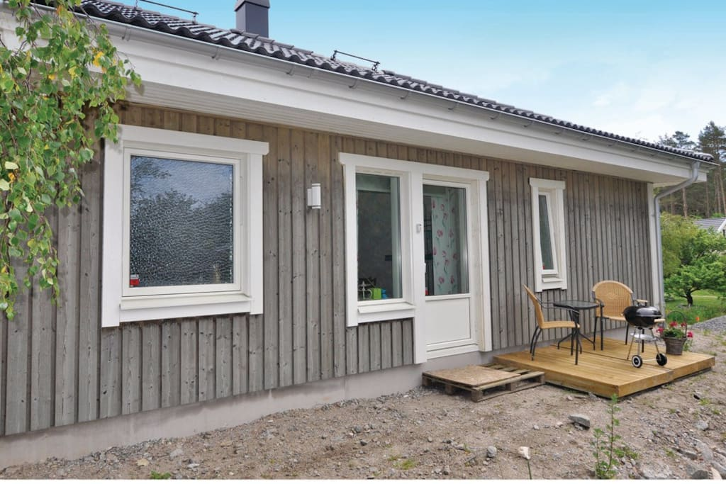 Holiday apartment with 1 bedroom on 26 m in fj llbacka for Holiday apartments in stockholm