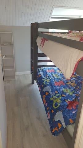 Chambre avec lit jumeau