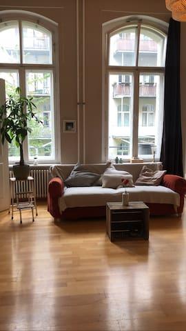 Schöne Altbauwohnung in Kreuzberg / Mitte