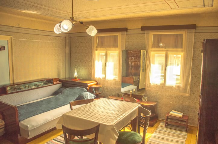 Historic room in the Gold Miner House