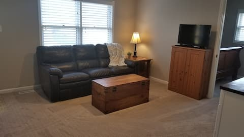 Spacious suite close to all Indy has to offer