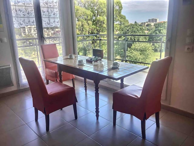 Private room 2 persons | Near bus | Free parking