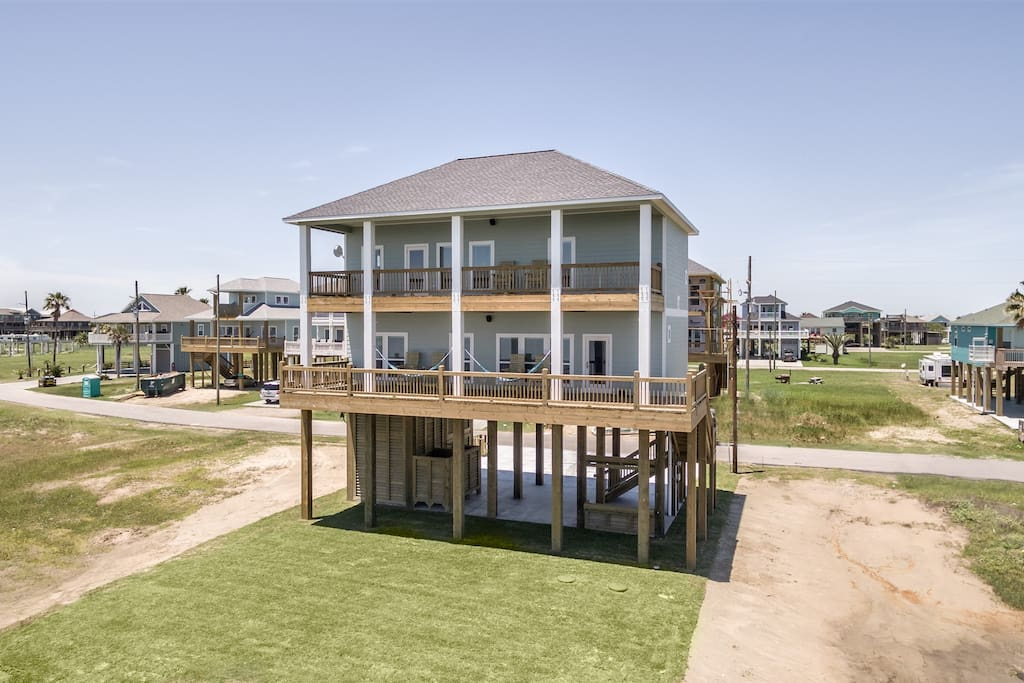 This house is right on the beach with no houses on either side