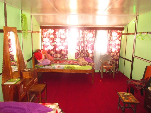 Alpine Homestay- Private Room - Pakyong - Haus