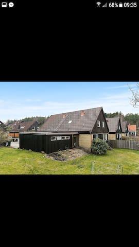 Stor villa nära centrala göteborg och skogen